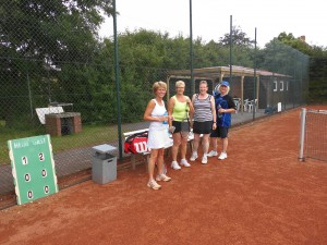 Tennisdamen1_2013
